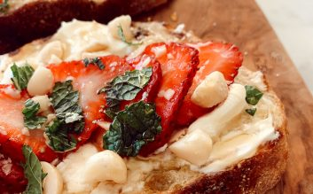 Strawberry, Mint & Mascarpone Cheese Toast